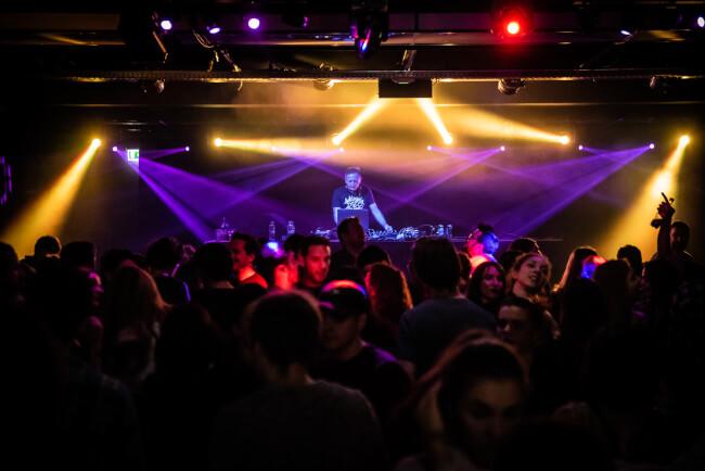 Tesco Disco Akvárium Klub
